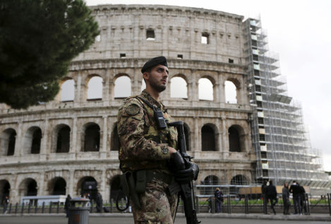Italy increases security in Rome and Milan after Paris attacks