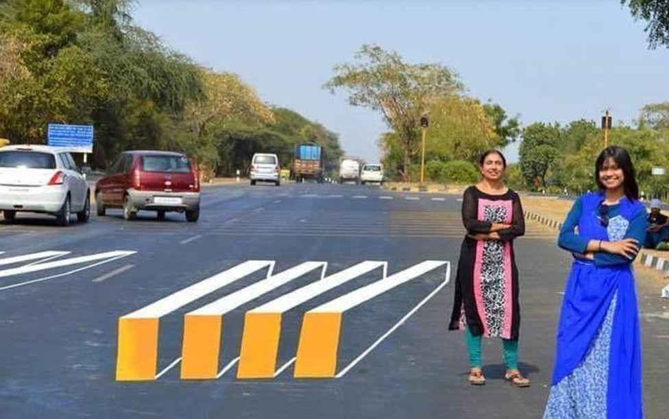 India implanta pinturas 3D en carreteras para reducir los accidentes de tráfico