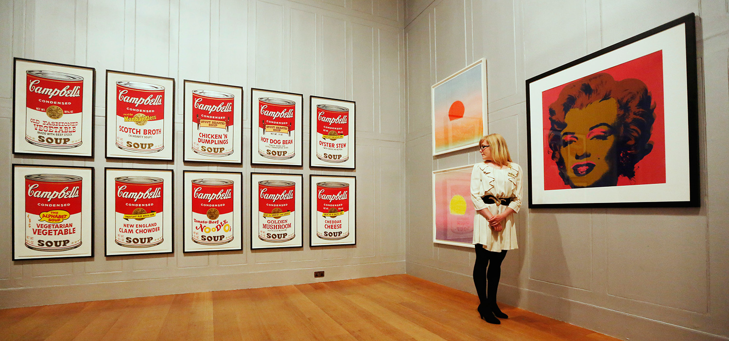 """Campbell's Soup II"" (1969), y ""Sunset"" (1972) . (Foto: Luke MacGregor / Reuters)"