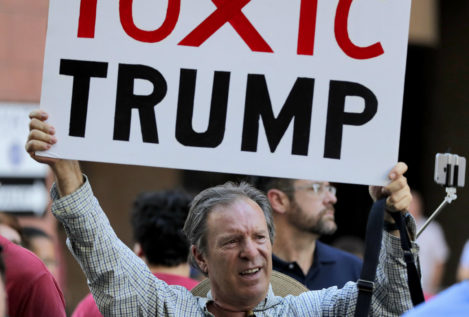Las manifestaciones anti-Trump sacuden a Arizona