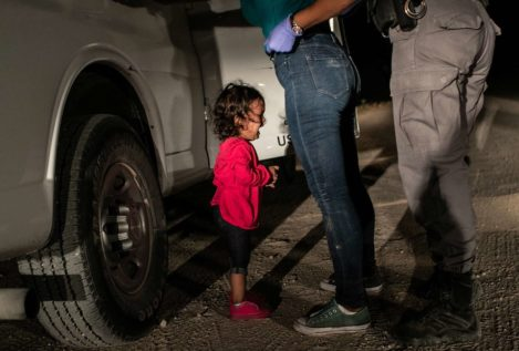 La fotografía de una niña migrante llorando en la frontera de EEUU, premio World Press Photo 2019