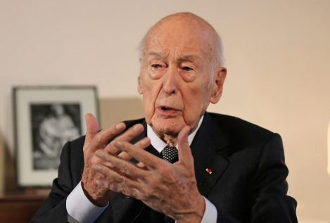 El expresidente francés Giscard d'Estaing, acusado de agresión sexual