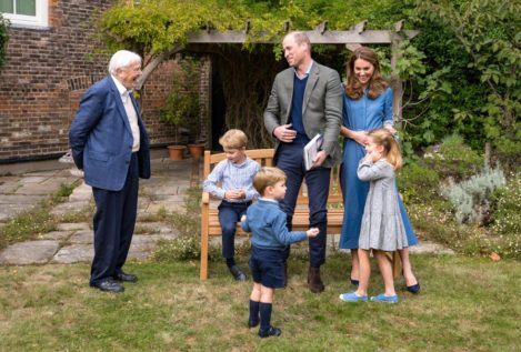 George, Charlotte y Louis de Cambridge preguntan a su ídolo, el naturalista David Attenborough